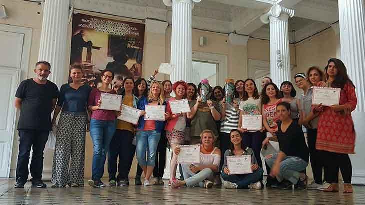Çocuk ve Gençlerle Sanat Terapisi Eğitimi İzmir'de Yapıldı
