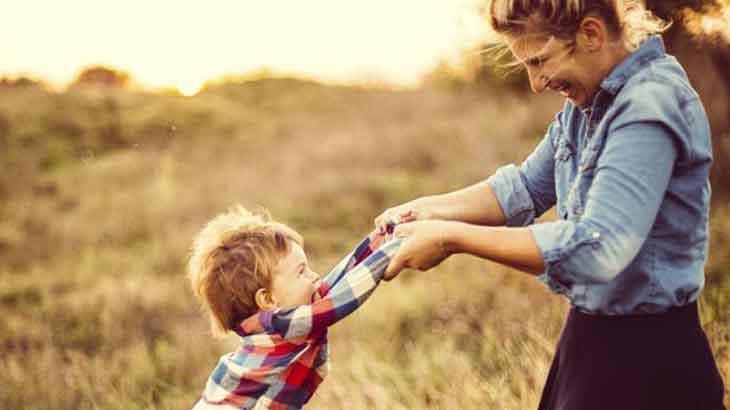 Ayın Makalesi Yayında! Çocukluk çağında anneniz ile kurduğunuz ilişki bugün evliliğinizi nasıl etkiler?